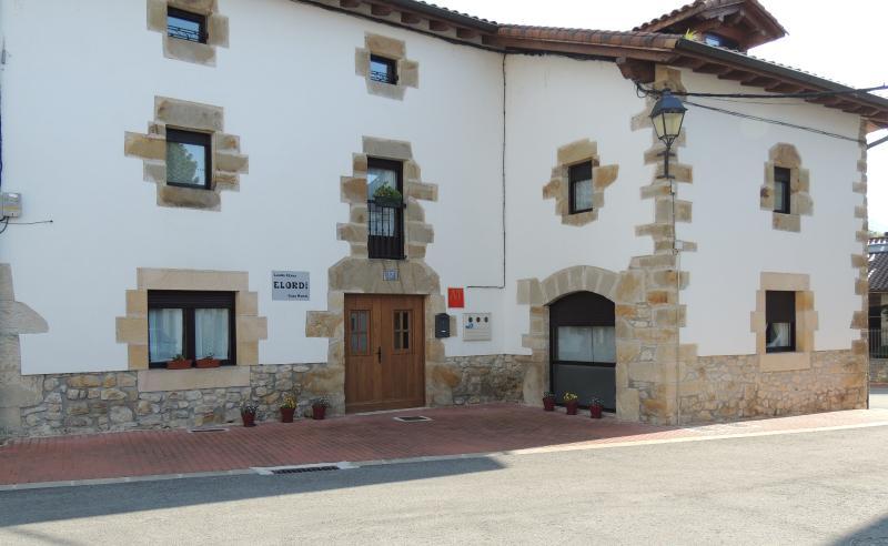 Fachada - Apartamento Elordi I - Iturmendi - rentals