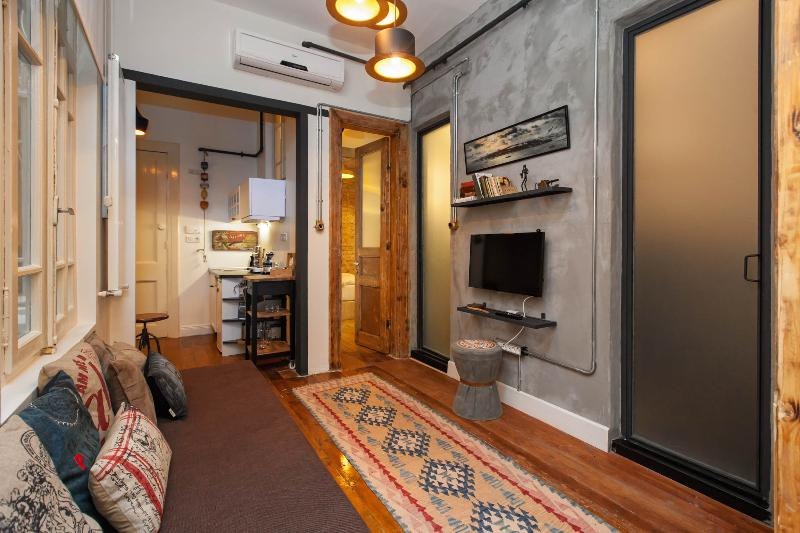 Living Room - Galata & 3BR & Industrial Design - Istanbul - rentals