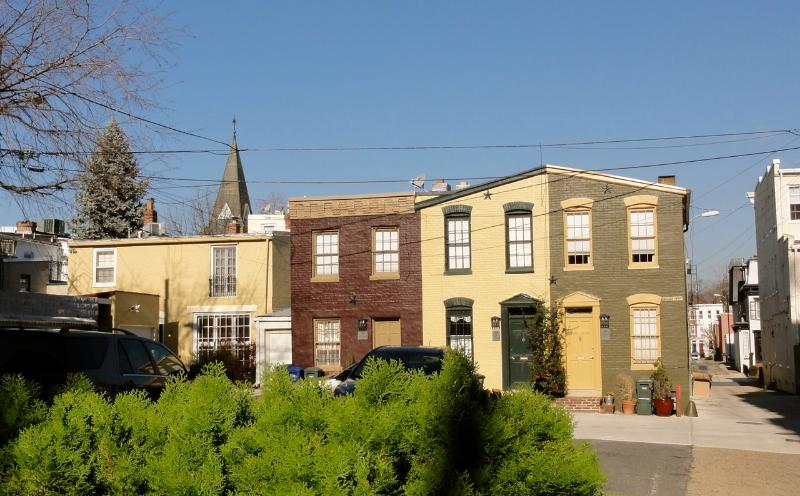 Carriage House as viewed from East Capitol Street (carriage house is in the middle) - (310 Millers Ct) Tiny House - 3 blocks to Capitol - Washington DC - rentals