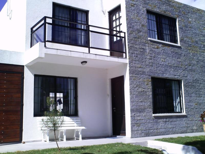 frente - casa muy bien equipada  ubicada a cuatrocientos me - Piriapolis - rentals