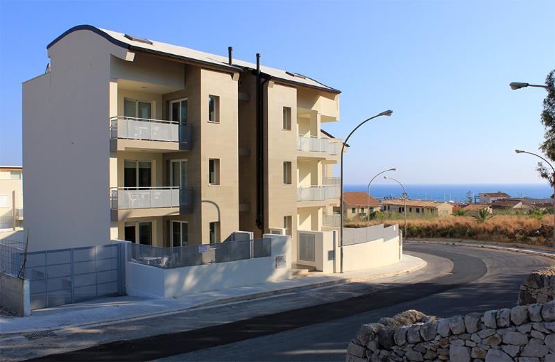 SUD EST - 2 bedrooms apt - Image 1 - Marina di Ragusa - rentals