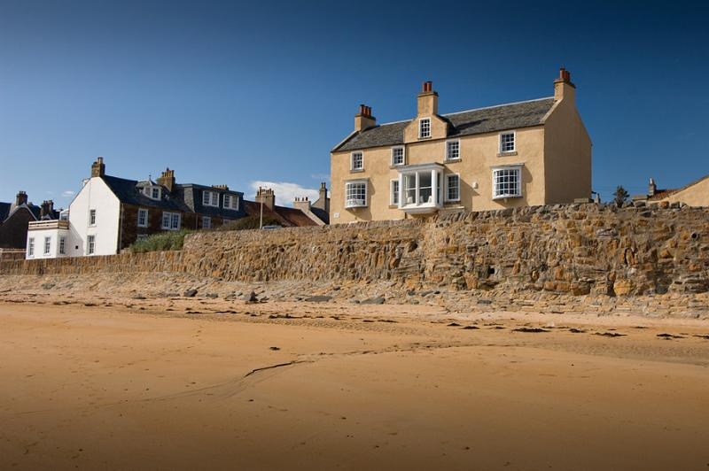 The beach at low tide - Beautiful beach house, sleeps up to 16 in Elie - Leven - rentals
