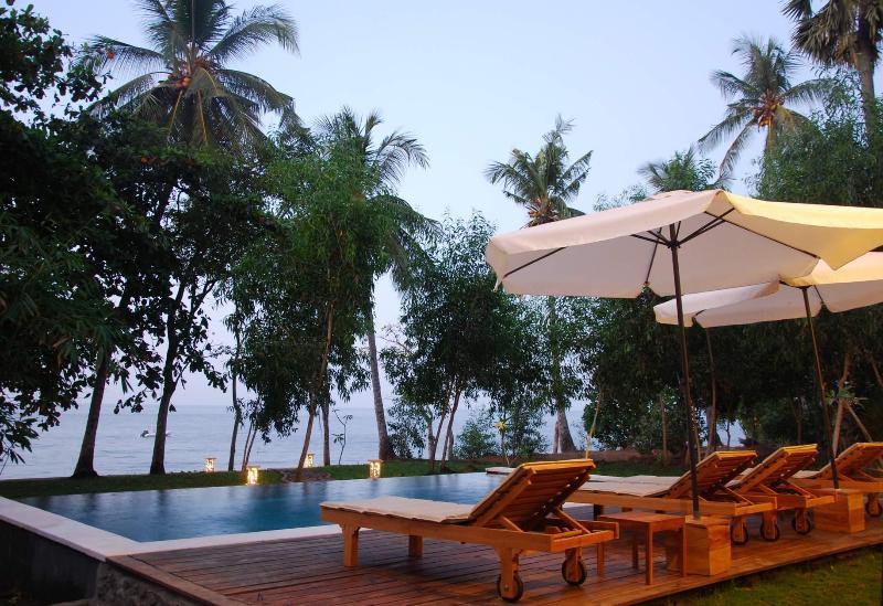 Beachfront Villa at the coral reef / Diving / Wild - Image 1 - Lovina - rentals