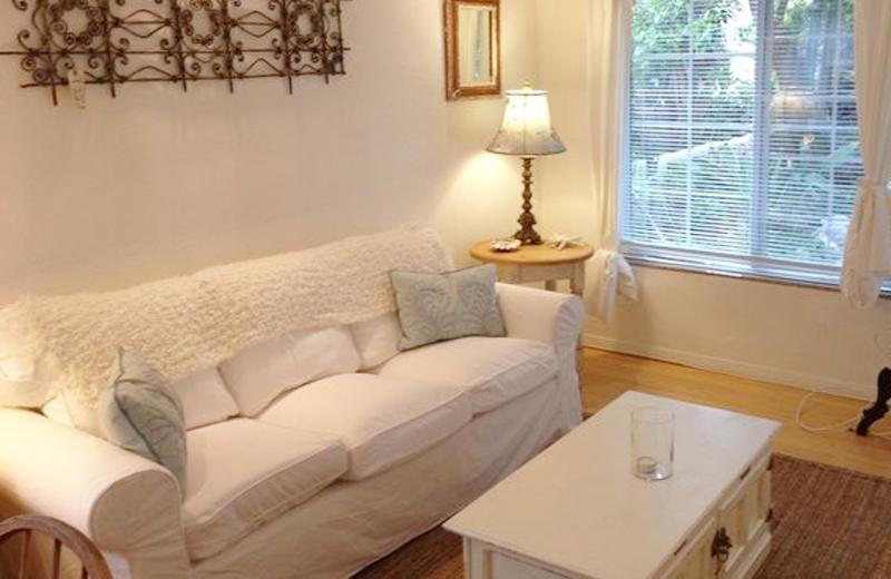 On Walkstreet,  2 Bed 2 bath, one Minute to Sand, - Image 1 - Los Angeles - rentals