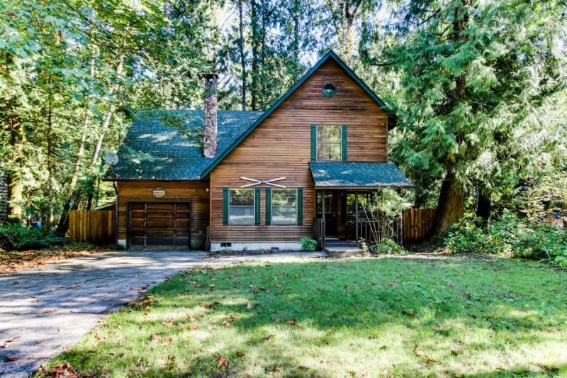 Marshall's Cabin in Rhododendron - Image 1 - Rhododendron - rentals