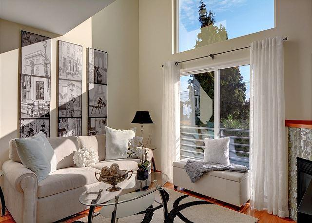 Living Room - 2 Bedroom Townhome Close to Alki Beach & Viewpoint- New low price! - Seattle - rentals