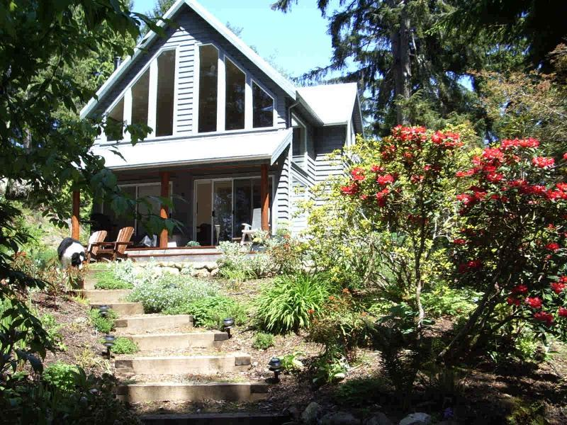 Front of Spindrift Cottage - Spindrift Cottage at French Beach - Sooke - rentals