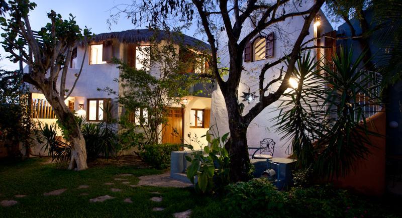 Tamarindo at night. - Tamarindo Bed and Breakfast - Cozumel - rentals
