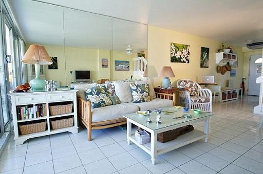 Living Room - Stylish Décor - #09 Harbour Heights 7MB - Seven Mile Beach - rentals