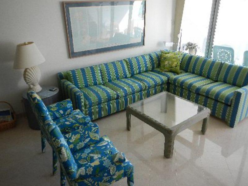 LivingRoom - Stylish Condo - #25 Harbour Heights 7MB - Seven Mile Beach - rentals
