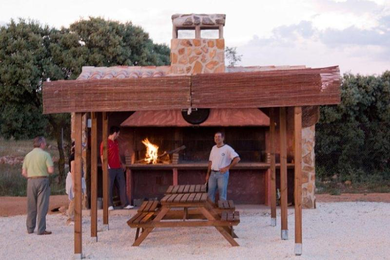 Barbeque - Miranda Rural House in La Mancha-Quixote's Route, Spain - Robledo - rentals