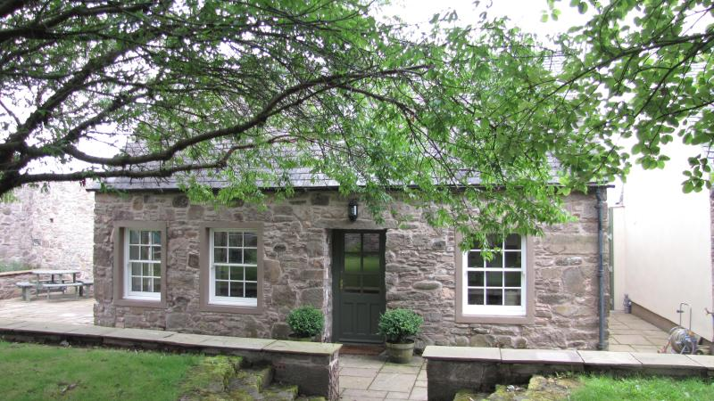 Exterior - The Arns Cottage, near Auchterarder in the Perthshire countryside - Auchterarder - rentals
