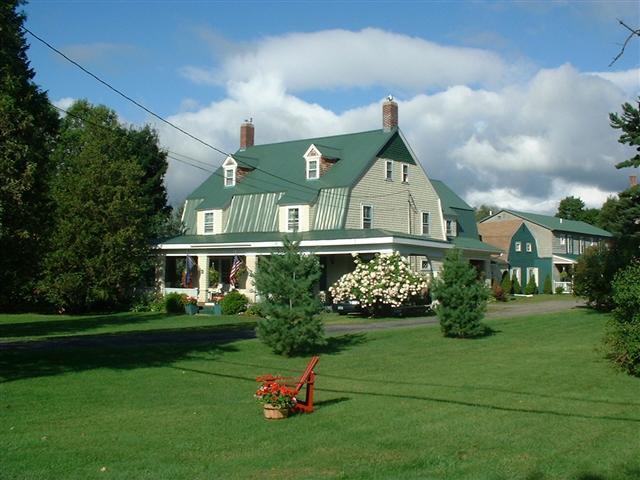 exterior - Hunger Mountain Ski House - Waterbury - rentals