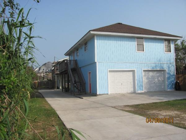 The Blue House - Beach close Sleeps 10, Pet Friendly No Size Limit - Port Aransas - rentals