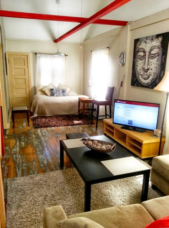 Living Room - Beautiful! Venice Beach Zen inspired Retreat - Los Angeles - rentals