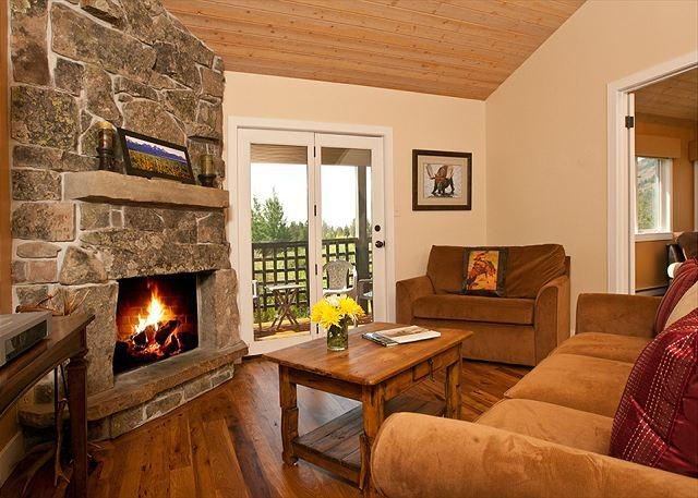 Wood burning fireplace - 5 Miles South of the Jackson Hole Mountain Resort! **SPECIALS AVAILABLE!** - Wilson - rentals