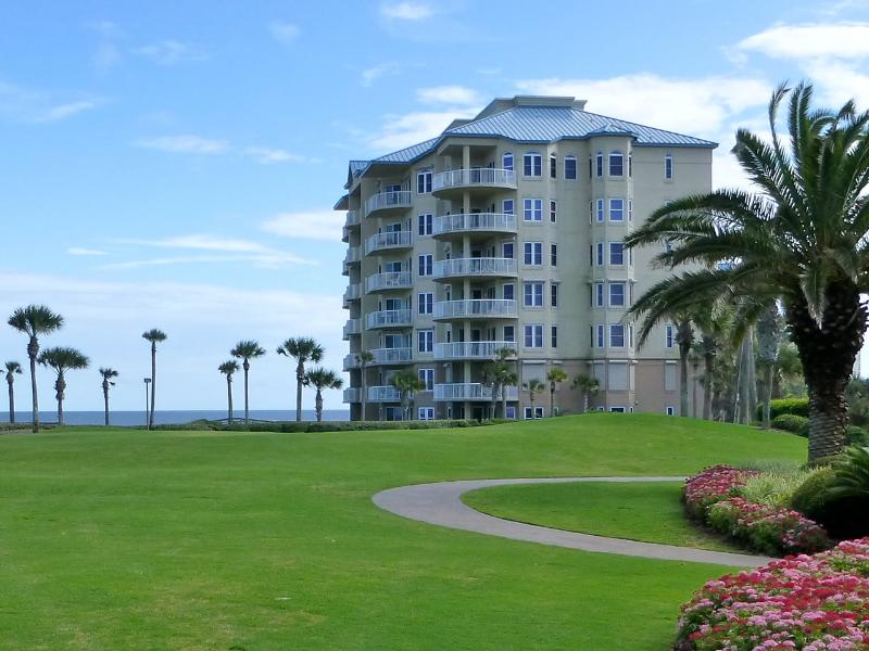Oceanfront lawn between the condo and the Ritz-Carlton Amelia Island - At the Ritz-Carlton. Oceanfront. NO BOOKING FEES. - Amelia Island - rentals