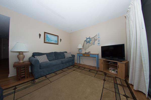 Living room with sleeper sofa - LOVELY 2BR @ MB RESORT, POOLS/WIFI/MORE! B542 - Myrtle Beach - rentals