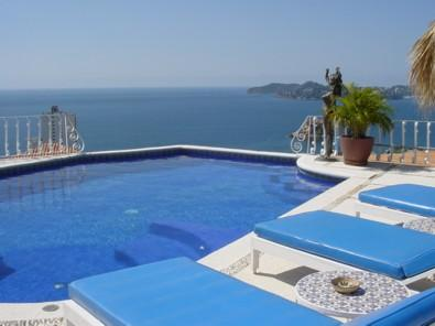 ACA - PET04 - Charming Mediterranean villa with amazing bay views close to beach and everything in town - Image 1 - Acapulco - rentals