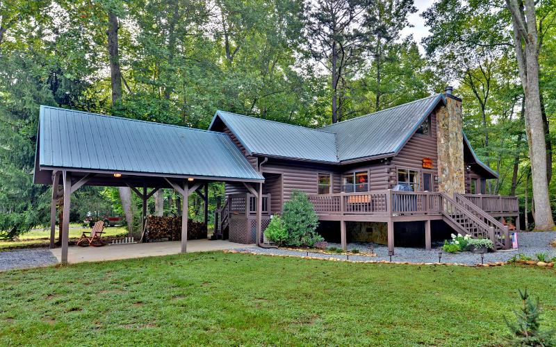 Trout Run Cabin, Blue Ridge, Georgia - Trout Run Cabin (a gorgeous creek front cabin w/ pond in the National Forest) - Blue Ridge - rentals