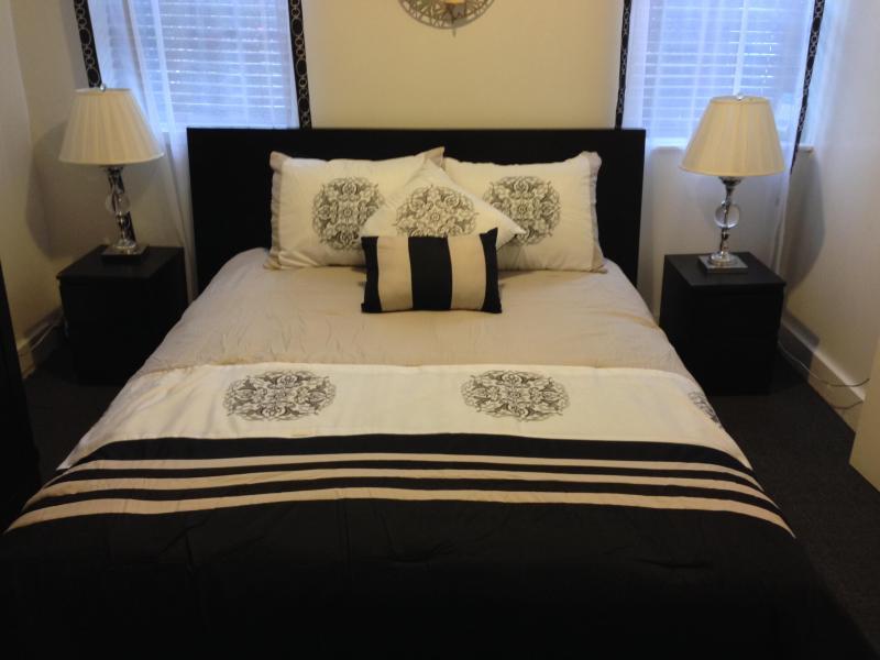 Master Bedroom - Brooklyn's Hidden Gem ~ 2 Bedroom Apartment - Brooklyn - rentals