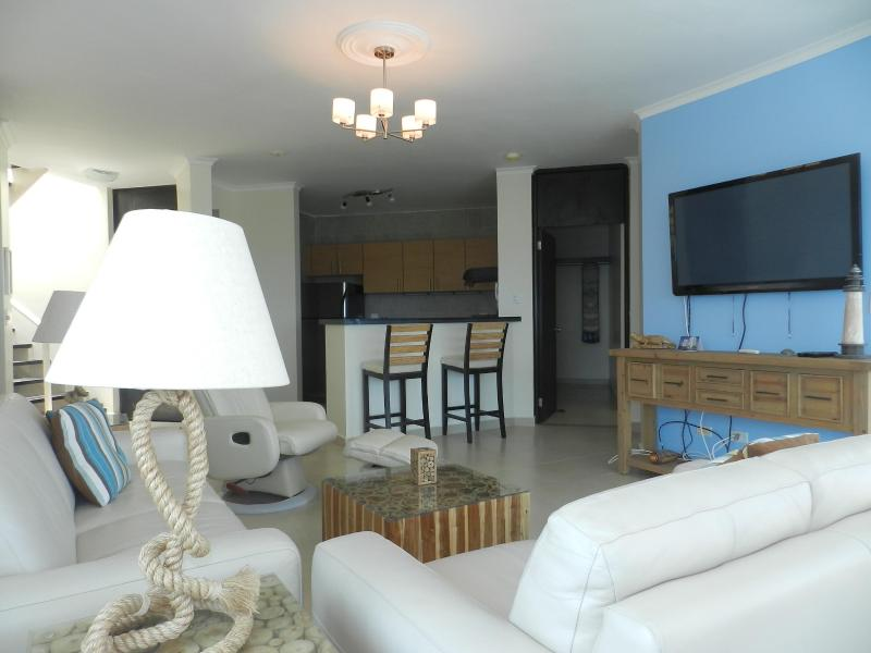 F1-12A, 12th Fl two level penthouse condo. - Image 1 - Farallon - rentals