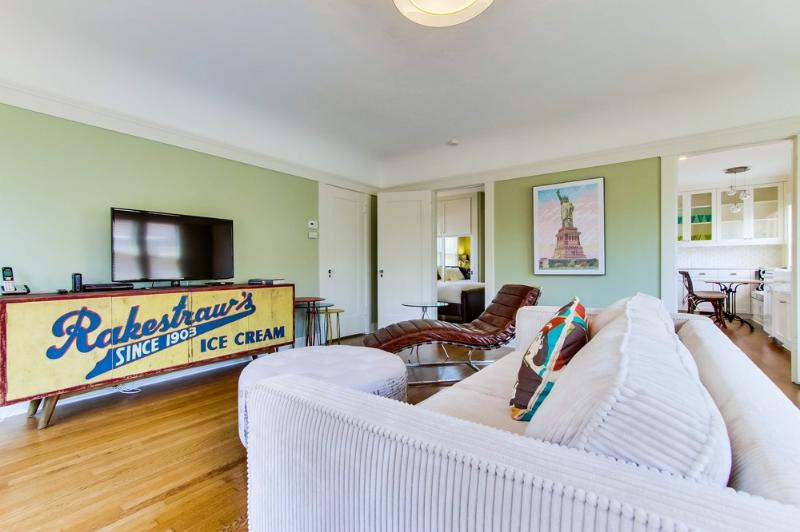 Spacious One Bedroom - Gorgeous! - in North Park - Image 1 - Pacific Beach - rentals
