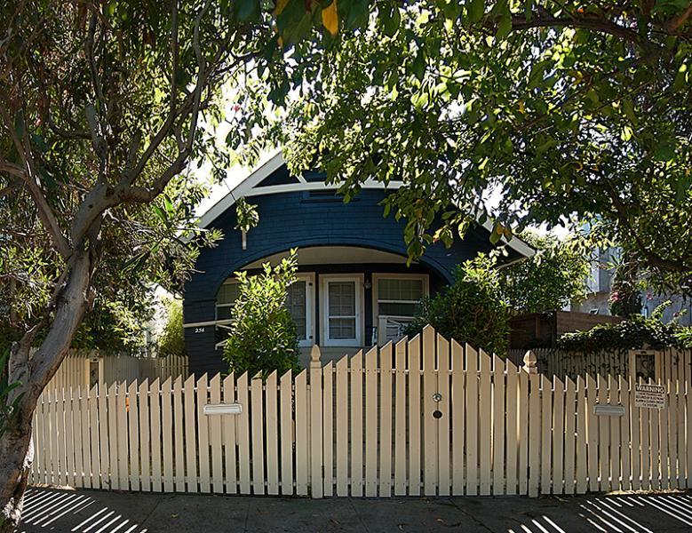 Front of bungalow - 4 bedroom Beach Bungalow Duplex, 2 blocks to beach - Venice Beach - rentals