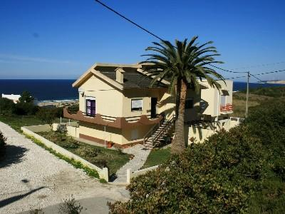1003990 - 2 bedroom apartment - Uninterrupted sea views - Sleeps 4 - Salgados beach - Nazare - Image 1 - Leiria District - rentals
