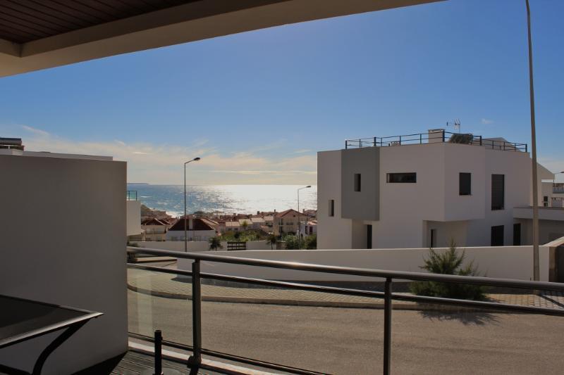1051682 - Luxury apartment,with Sea Views, Near Top Surfing Beach, Sleeps 6 - Areia Branca - Image 1 - Lourinha - rentals