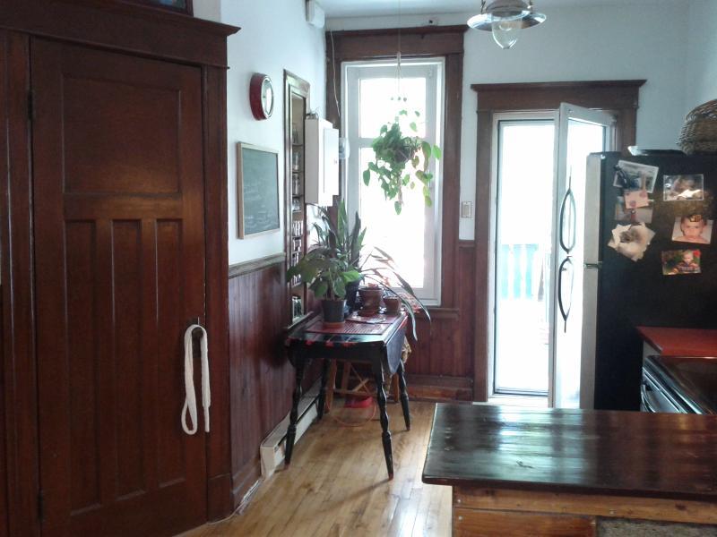 cuisine, porte arrière - Charmant condo à aire ouverte sur le plateau Mont-Royal - Montreal - rentals