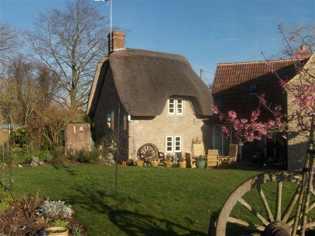 The cottage viewed from our garden - Bed and breakfast near lacock - Wiltshire - rentals