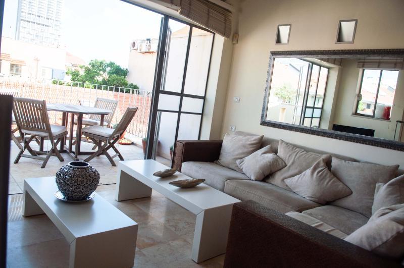 Living Area & Balcony - Stunning 2 Bedroom Duplex - Neve Tzedek - Tel Aviv - rentals