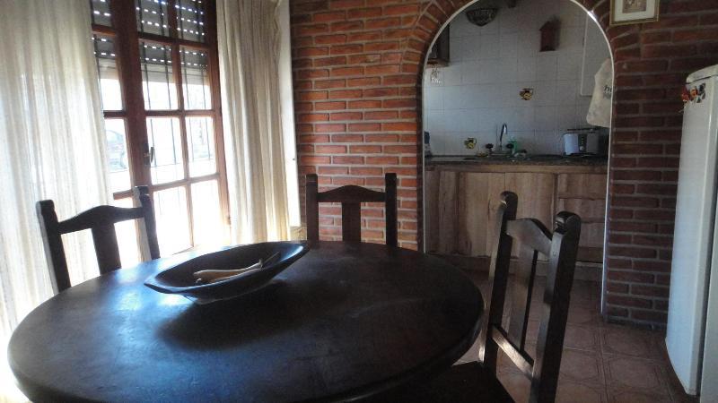 Cocina-Comedor - Alquilo propiedad x temporada.Zona La Perla.4/5p - Mar del Plata - rentals