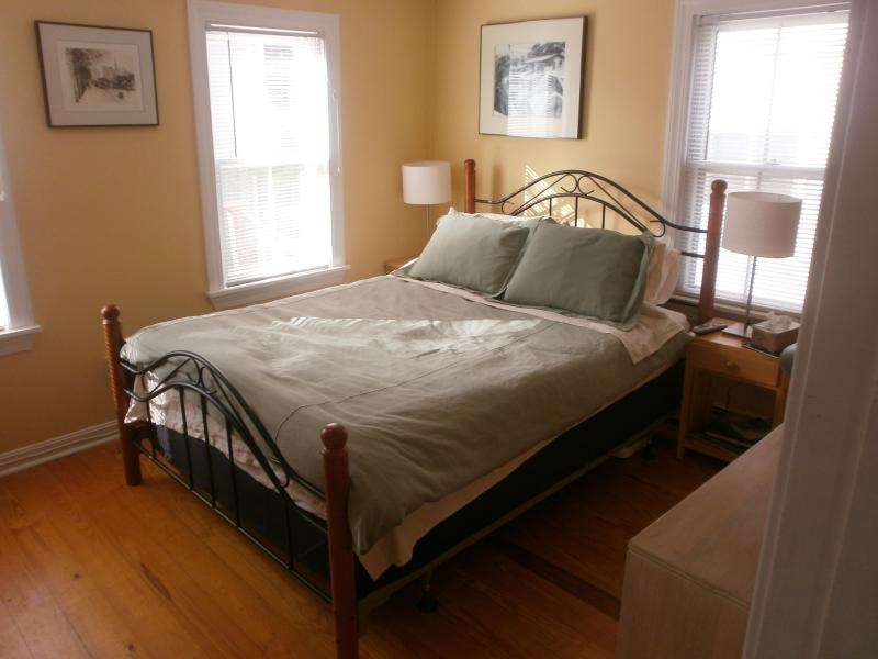 Master Bedroom - West End 3bdrm/2bath,Deck,Parking Bbq Grill and Washer/Dryer - Provincetown - rentals
