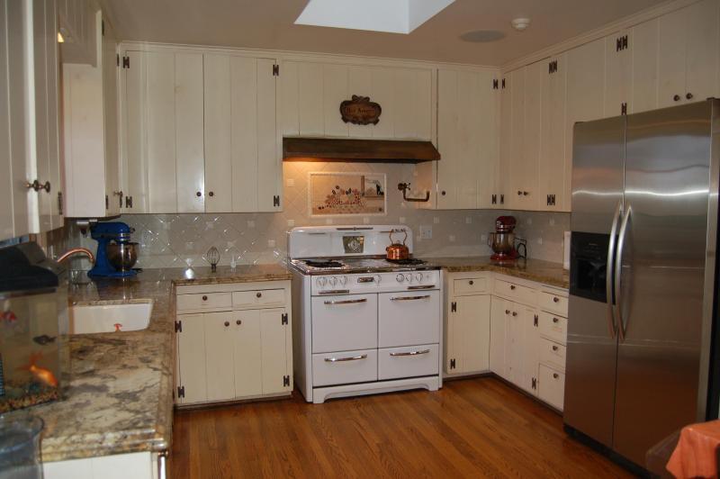 Country French Kitchen - La Jolla Shores Vacation Rental - La Jolla - rentals