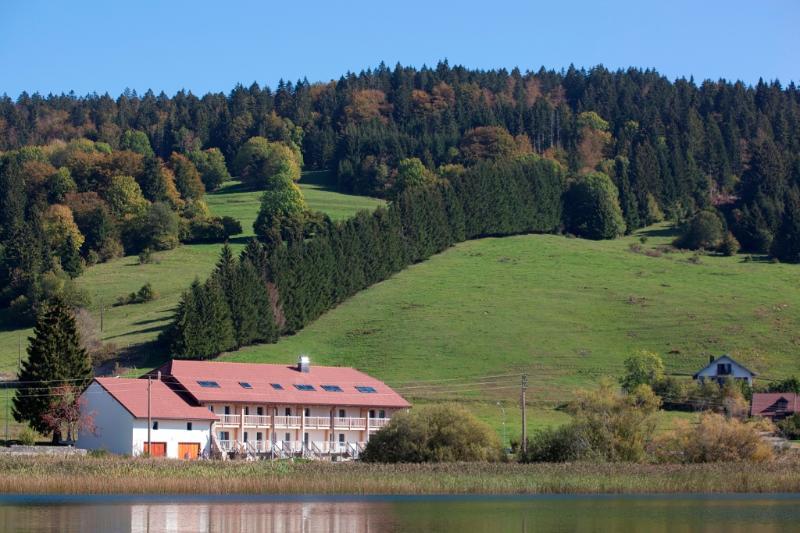 5* 18th-c. Farm overlooking Lake Abbaye, Jura - Image 1 - Grande-Riviere - rentals