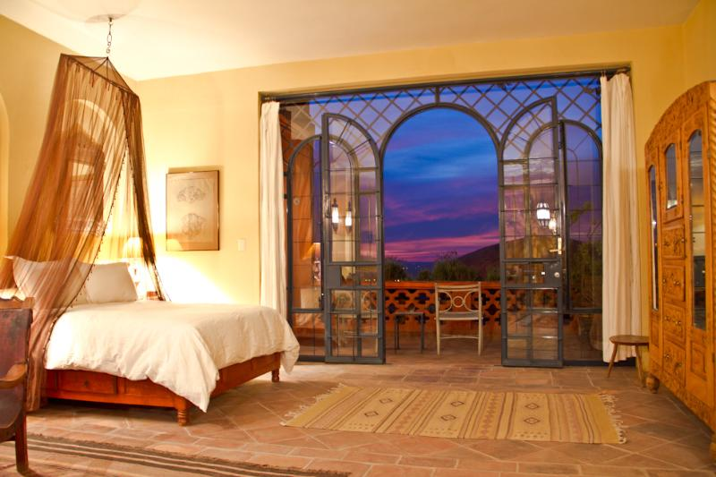 The Romance of Casita Topaz - Casita Topaz - Moroccan inspired Centro location - San Miguel de Allende - rentals