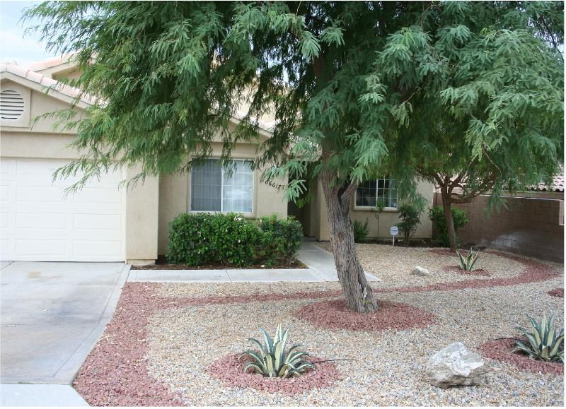 front view of home - Luxury 4B Home Next to BEST MINERAL WATER RESORTS! - Desert Hot Springs - rentals