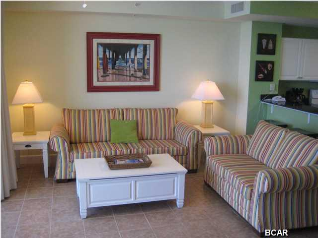 Large Great Room - Walking to Pier Park, Largest 1BR/2BA Floor Plan & Beach Svc Included - Panama City Beach - rentals