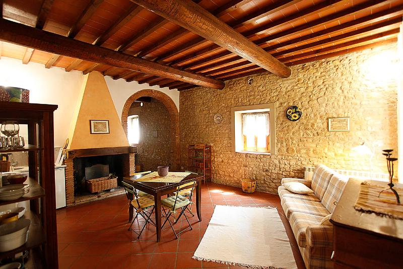 living room - CHIARA- in Chianti farmhouse, with pool - San Casciano in Val di Pesa - rentals