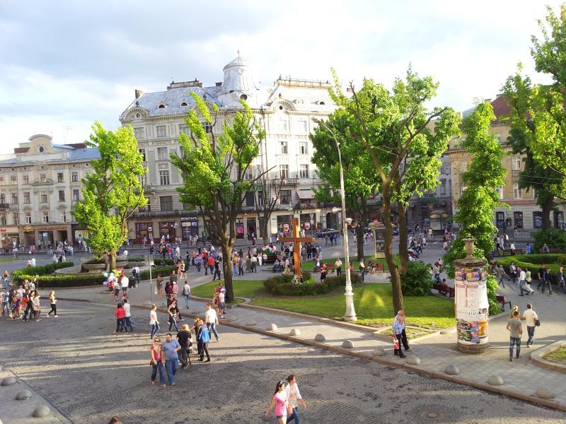 3 ROOMS on Svobody Ave (0 min CENTER) best VIEWS! - Image 1 - Lviv - rentals