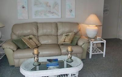 Living room with sleeper sofa - Fun Vacation Getaway, Myrtle Beach Resort Rental with Pools and Lazy River - Myrtle Beach - rentals