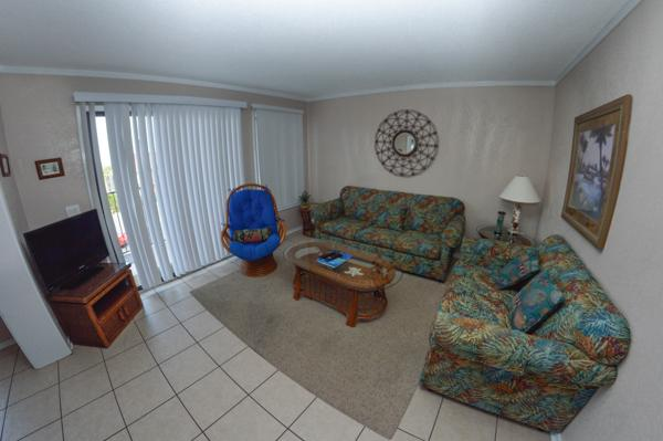 Living room with sleeper sofa - 2BR CONDO, LOTS OF POOLS/JACUZZIS/LAZY RIVER! A211 - Myrtle Beach - rentals