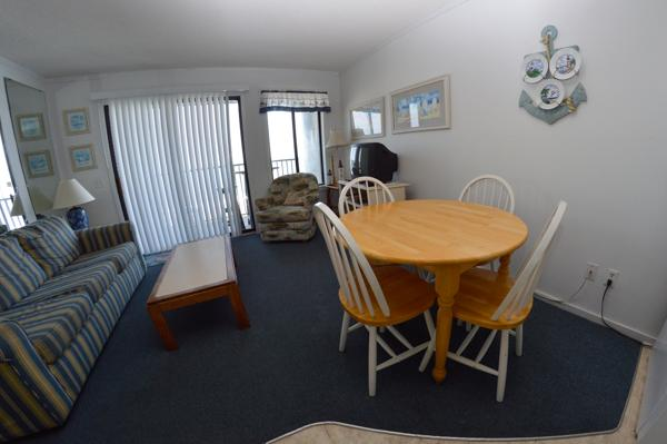 Dining area - OCEANFRONT @ MB RESORT! POOLS/LAZY RIVER! A401 1BR - Myrtle Beach - rentals