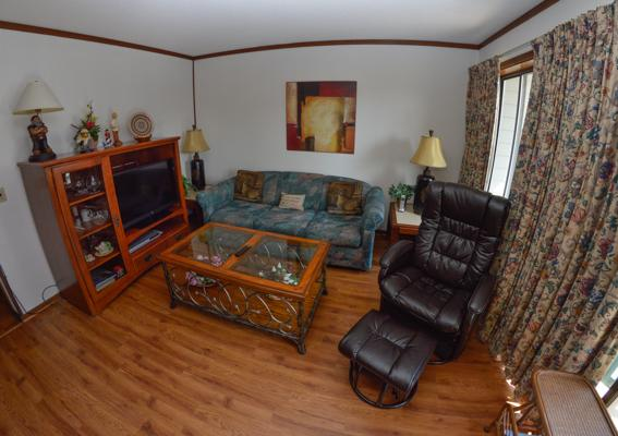 Living room with flat-screen TV - ON THE BEACH @ MB RESORT, WIFI/POOLS! - A416 2BR - Myrtle Beach - rentals
