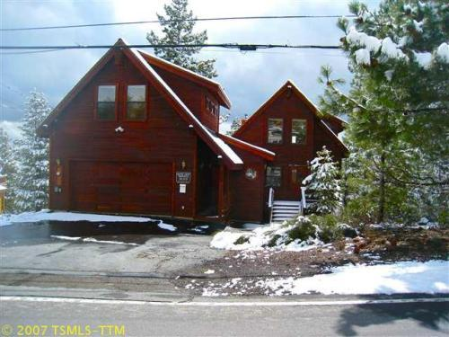 Street view of house - Luxury Tahoe Donner Ski Cabin -Sleeps 12/Free WiFi - Truckee - rentals