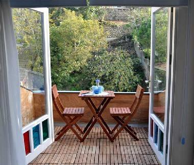 Blue apartment in a historical Kuzguncuk House - Image 1 - Istanbul - rentals
