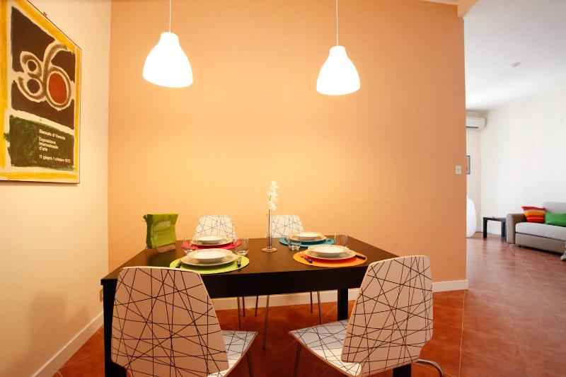 Bright and Sunny Apartment in Trastevere - Image 1 - Rome - rentals