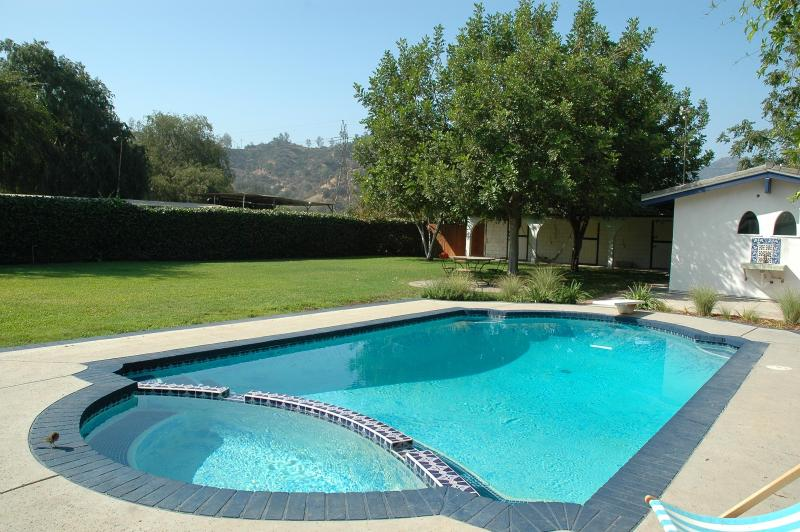 cabin with salt water pool and Griffith park in distance - Cabin in Griffith Park with pool - Glendale - rentals